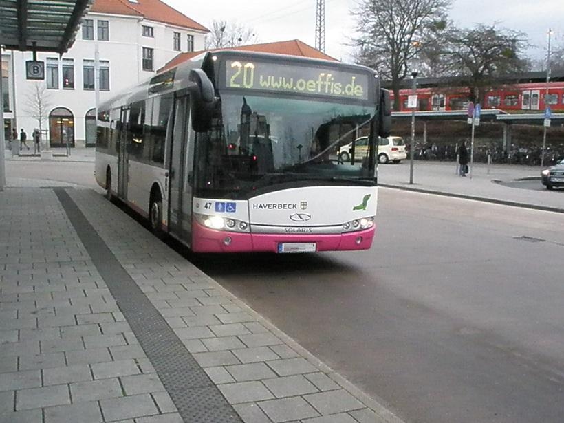 Hameln 2015 Solaris Omnibus vor Bahnhof.jpg