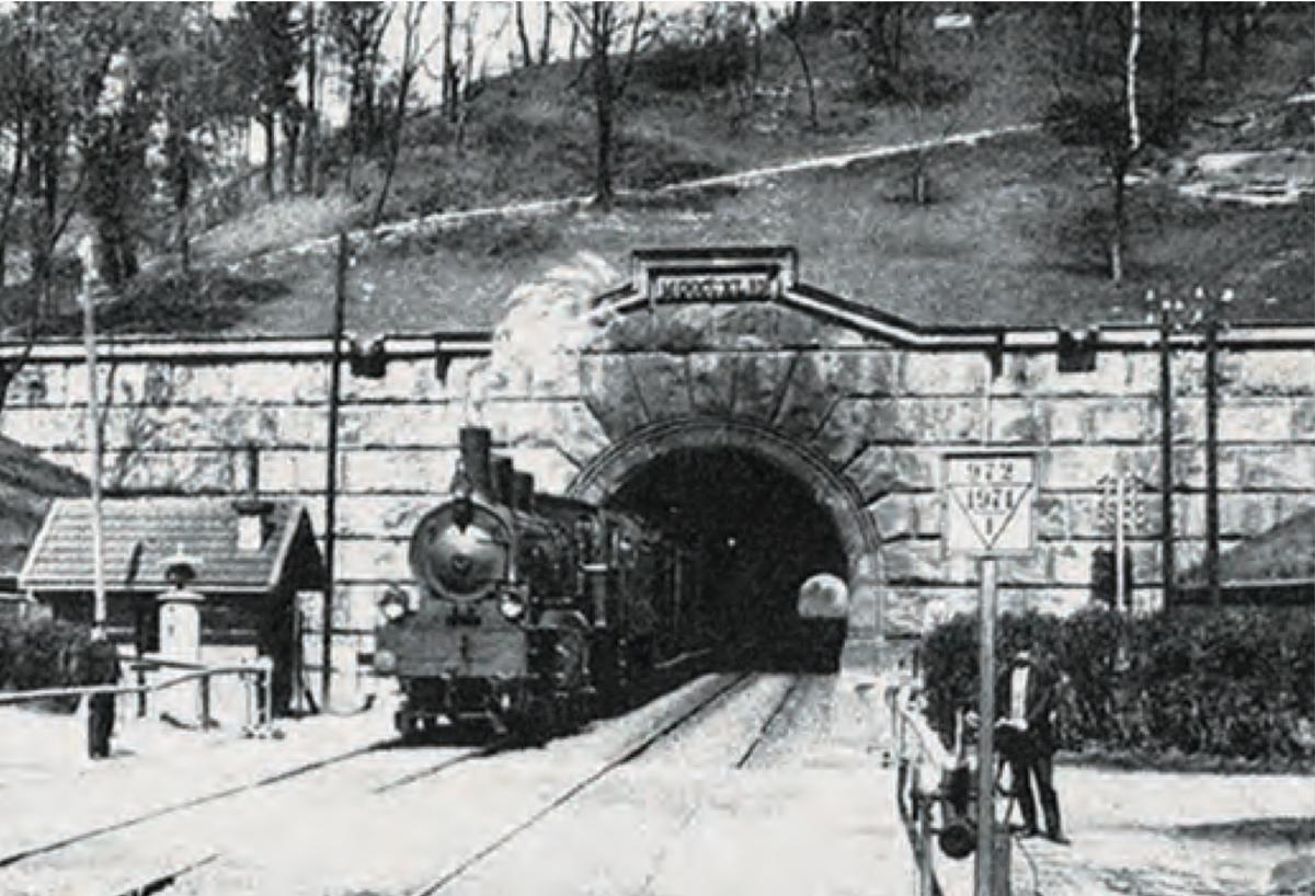 VDE-81-ABS_Burgbergtunnel-Histrorisch.jpg