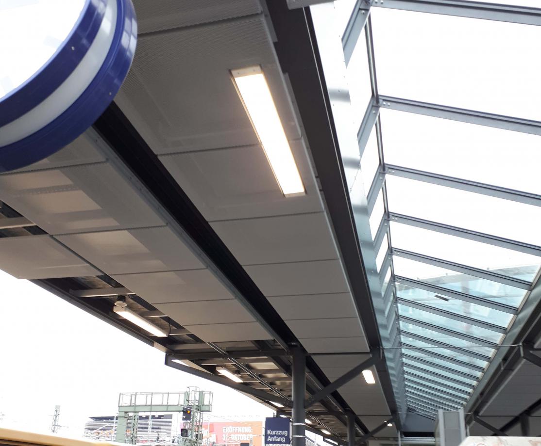 Lampe Bahnsteig B.jpg