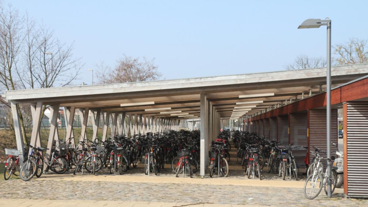 Fahrradparkhaus_Falkensee-Bf_LWEOS0002-cut3.jpg