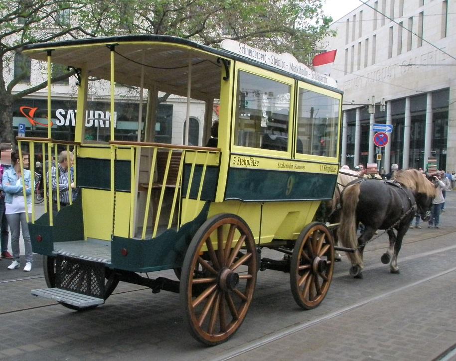 Tramparade 2017 Pferdeomnibus.jpg