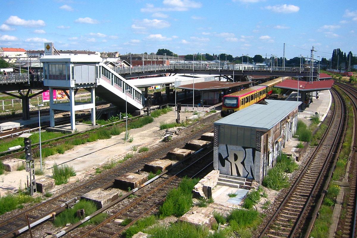 Berlin_-_Bahnhof_Warschauer_Stra%C3%9Fe%2C_nach_Abriss.jpg