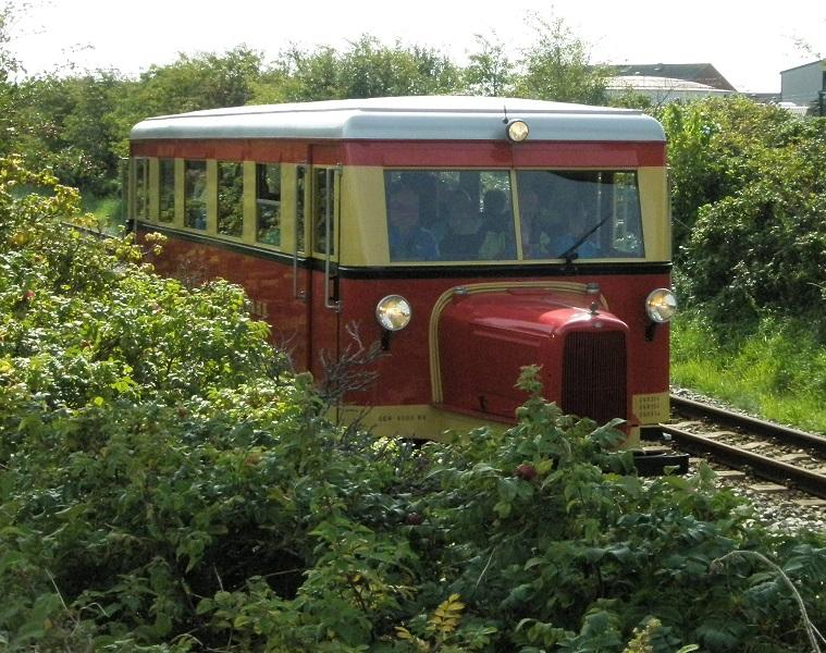 2014 Inselbild mit Schienenfahrzeug.jpg