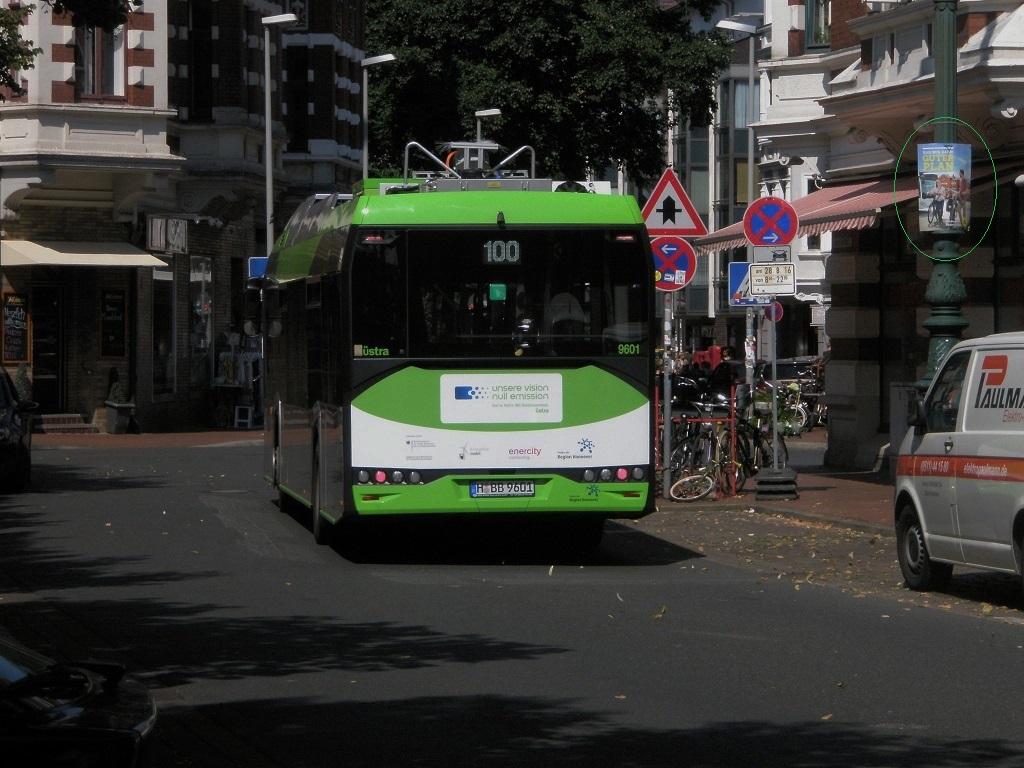 2016 Solaris E-Bus Lindener Marktplatz Heck mit Plakat.jpg