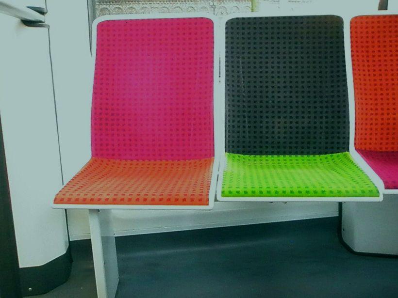 Tramway Lille  farbige Polstersitze.jpg