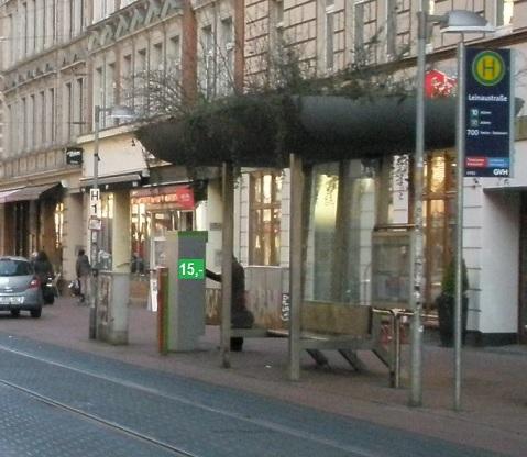 15 Euro Haltestelle Leinaustraße.jpg