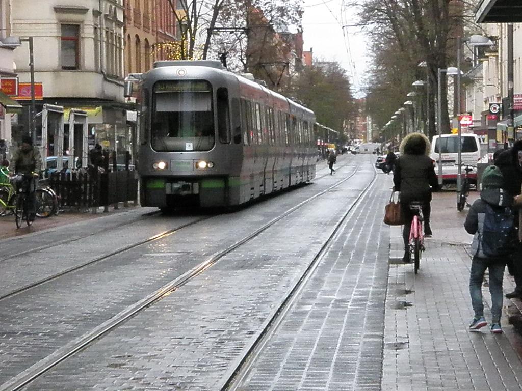 Linie 10 auf der Limmer Herbst 2018.jpg
