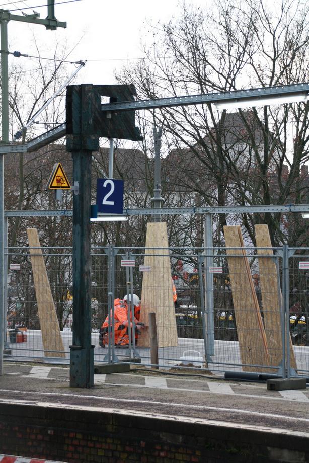 Umbau SW einhausung Bhstg.stützen  gl1 250121.JPG