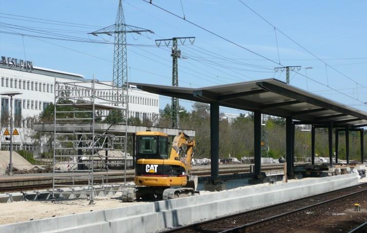 Stein Bahnsteig 2-3.jpg