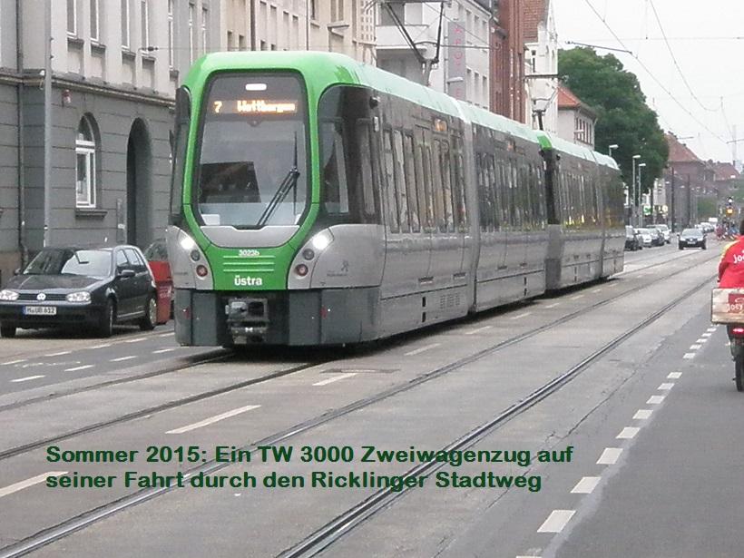 neue Stadtbahn im Ricklinger Stadtweg.jpg