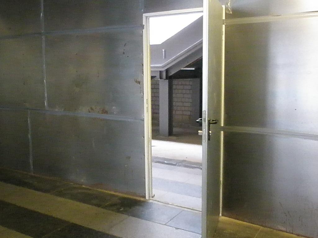 Proj 10 17 Hbf-ZOB neue Treppe zur Untergrundhaltestelle im BauB.jpg