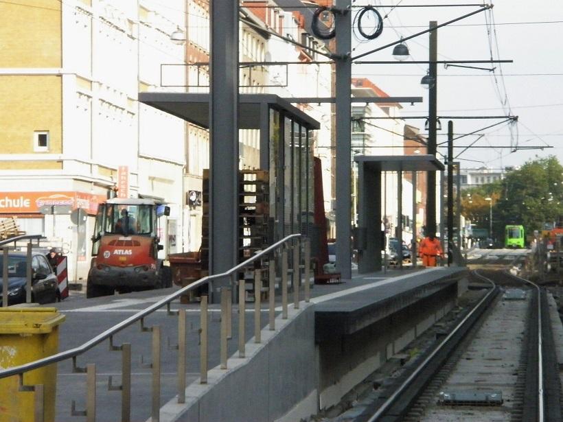 Proj 10 17 Sep 2016 Haltestelle Goetheplatz mit Wartehäuschen.jpg