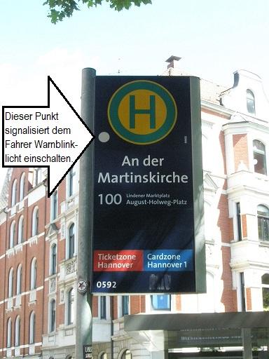 20140605 Warnblinkhaltestelle An der Martinskirche in Fahrtrichtung.jpg