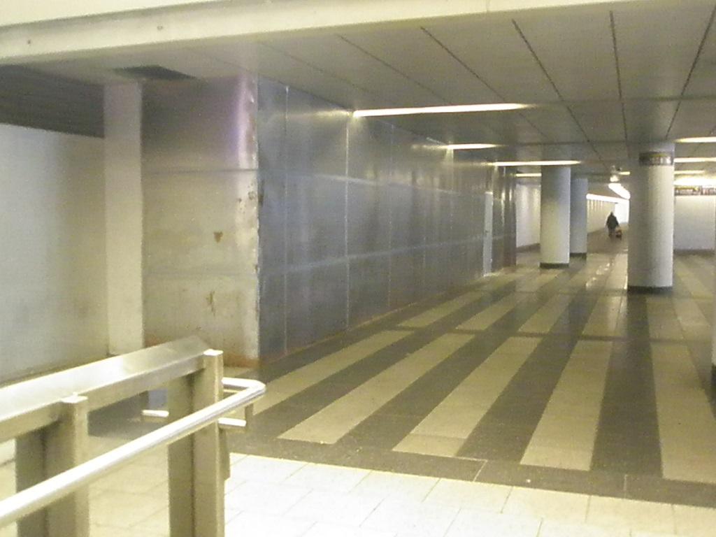 Proj 10 17 Hbf-ZOB neue Treppe zur Untergrundhaltestelle im BauD.jpg