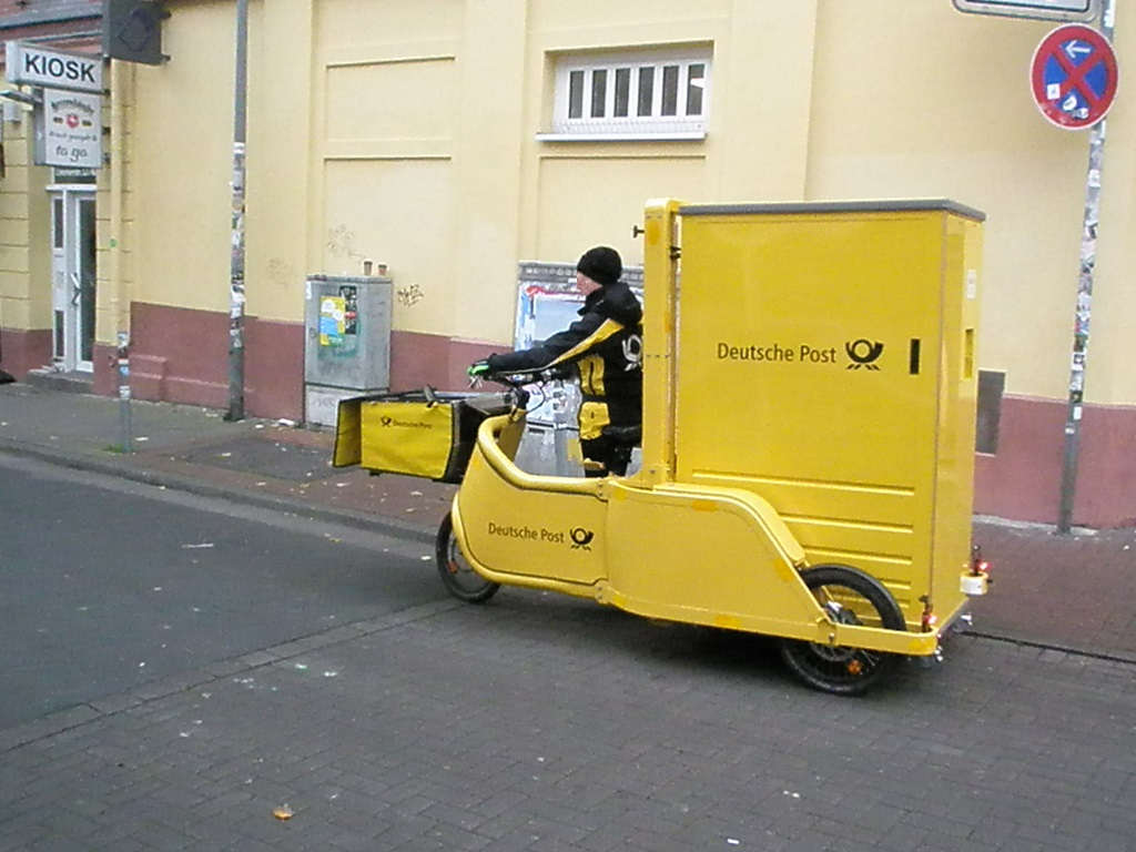 Lastenfahrrad Dreirad Deutsche Post 1.jpg