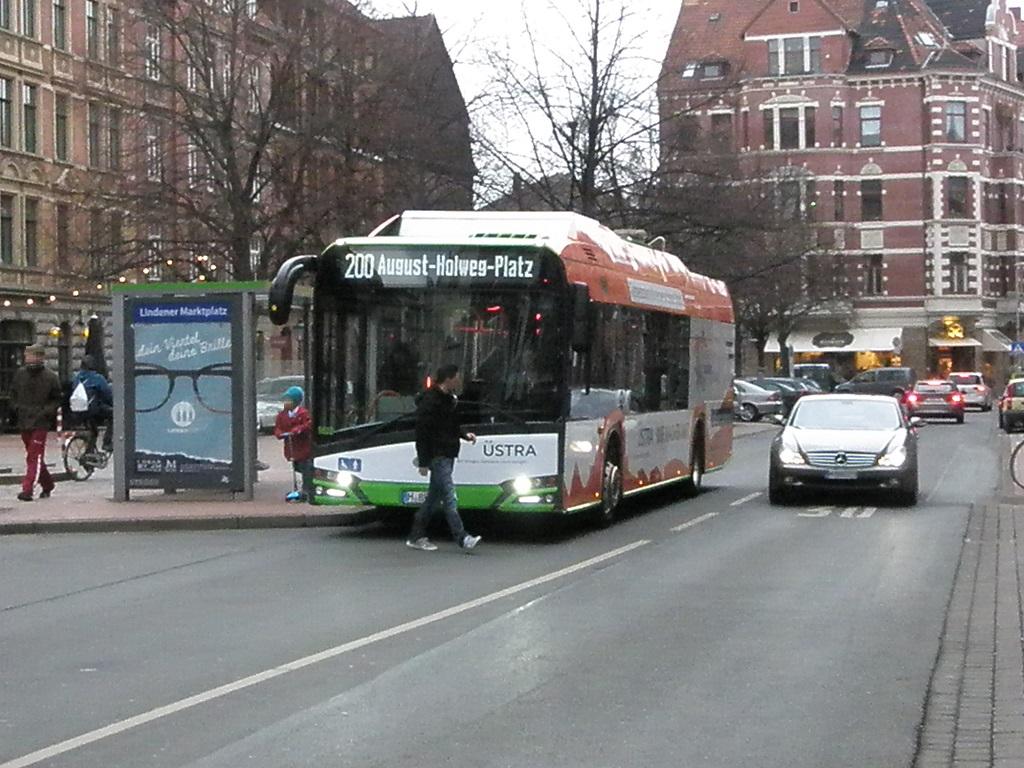 Bushaltestelle langsam vorbeifahren.jpg