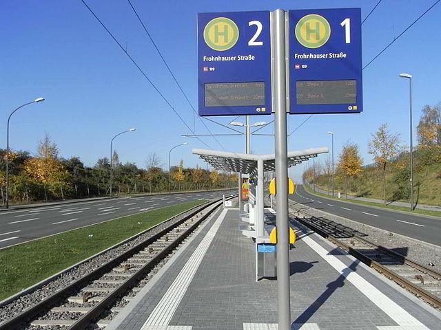 640px-Neubaustrecke_Essen_Hst_Frohnhauser_Stra%C3%9Fe.jpg
