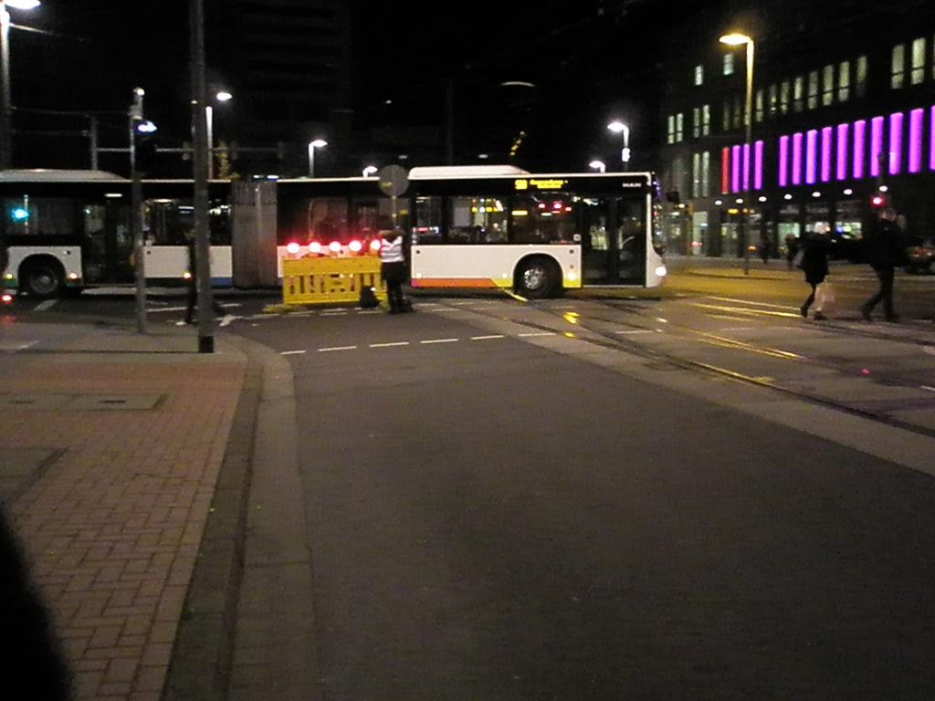 20191130 Bus und Bahn Gratis im GVH Zufahrt zum Posttunnel für PKW gesperrt.jpg