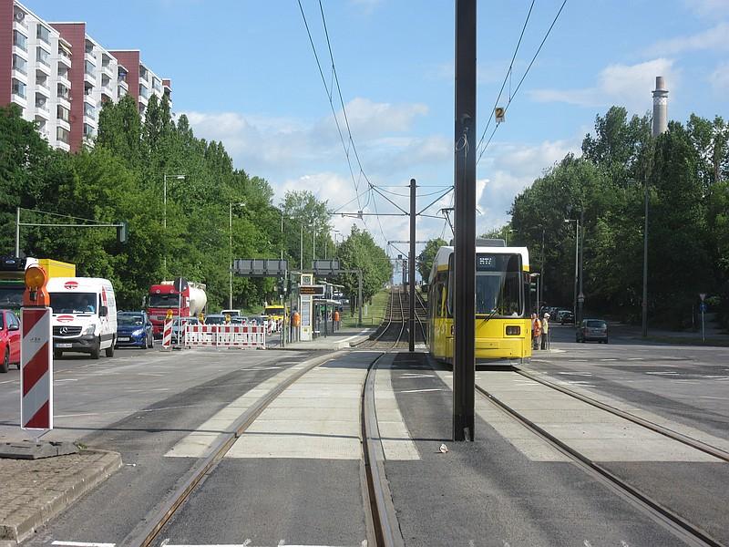 M17 Kreuzung Rhinstr-Altfriedrfelde.jpg