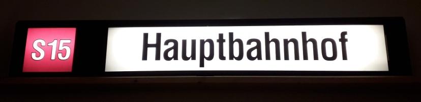 S15_Hauptbahnhof.jpg