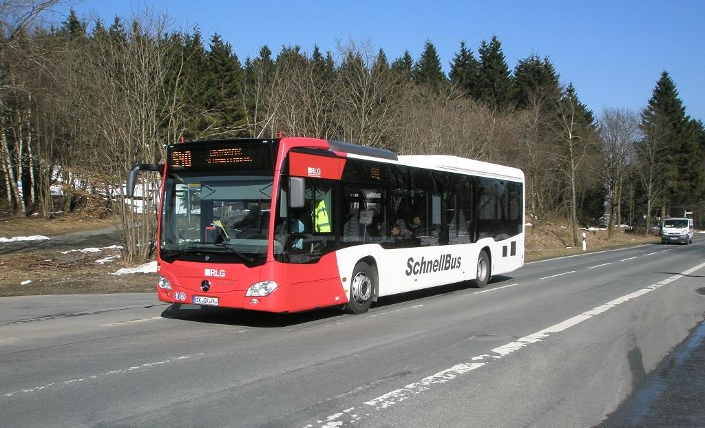 RLG-Schnellbus im Hochsauerland.jpg