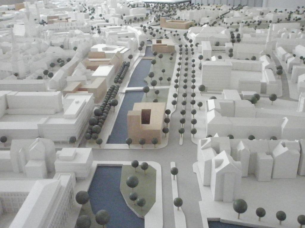 Modell im Bauamt vom neugestalteten Leibnizufer.jpg