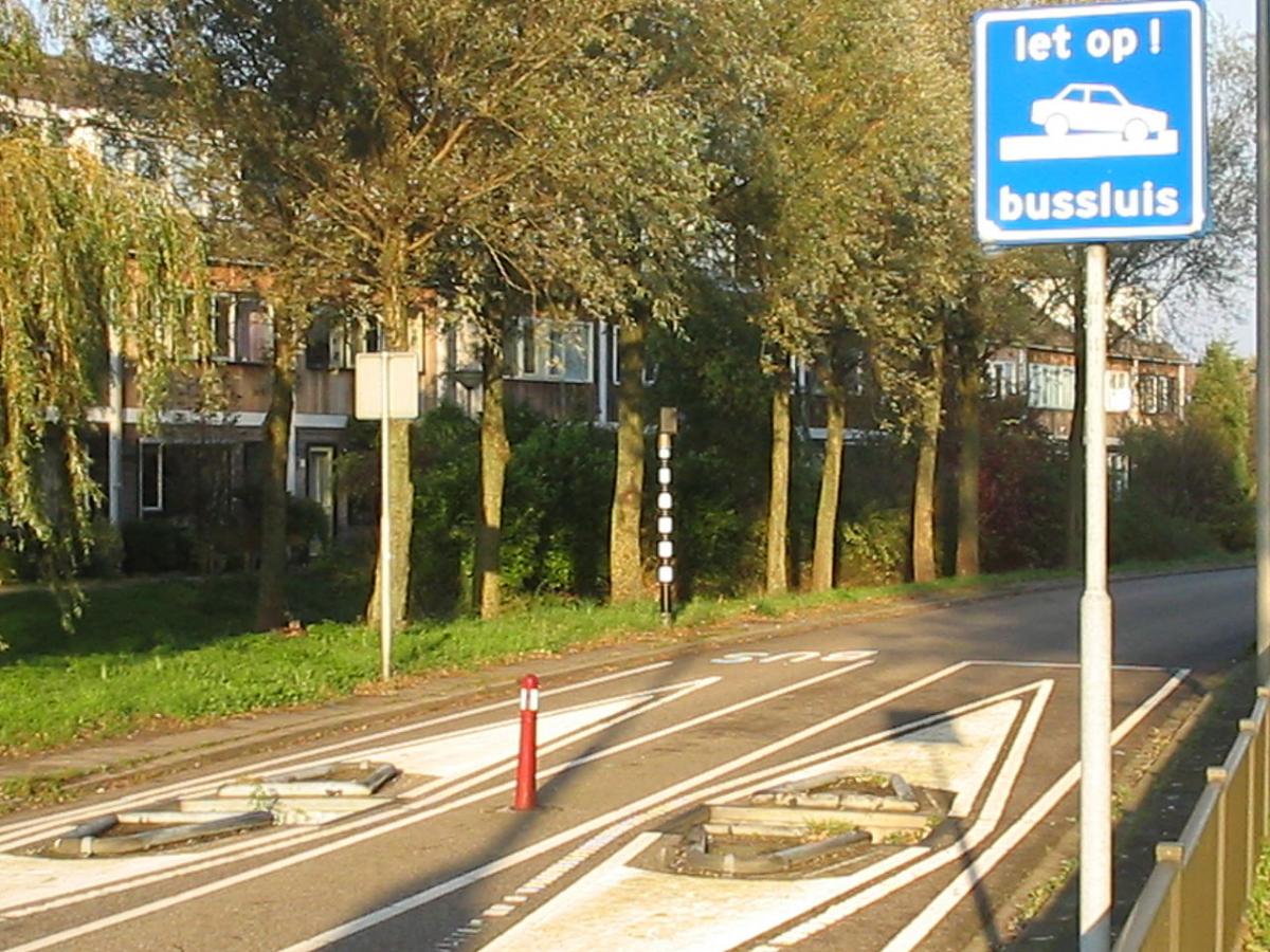 1280px-Bussluis1.jpg