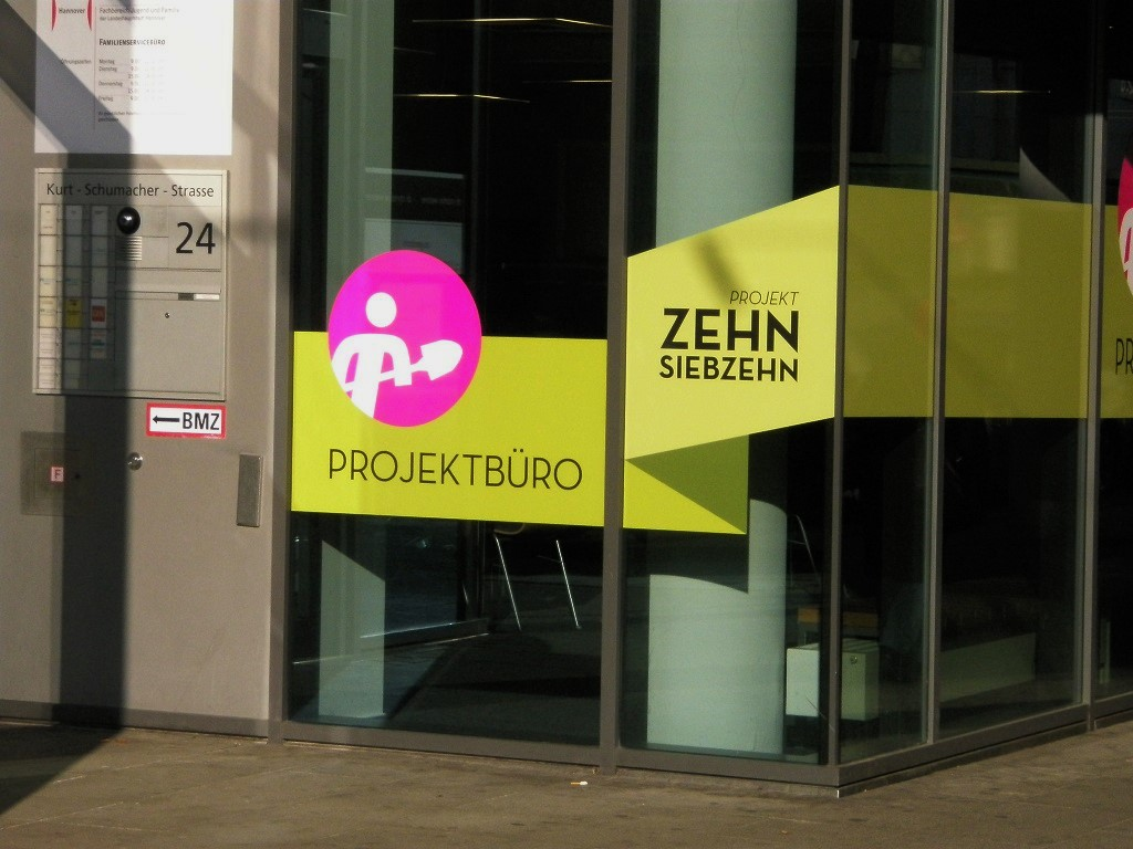 Projekt 10 17 Informationsbüro in Kurt Schumacher Str.jpg