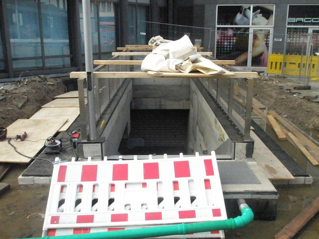 Proj 10 17 Hbf-ZOB neue Treppe zur Untergrundhaltestelle im BauA.jpg