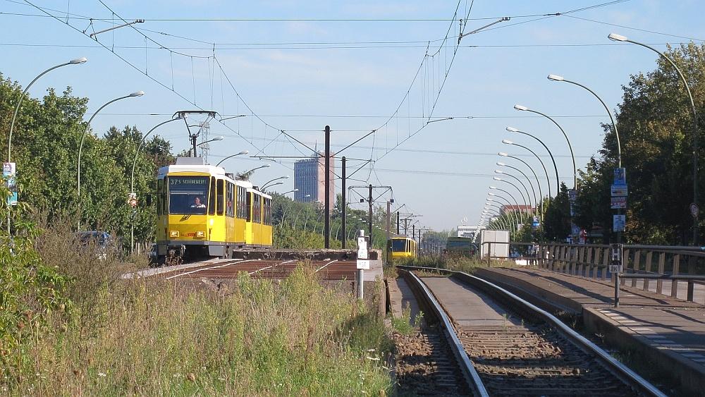 Rhinstraßenbrücke.jpg