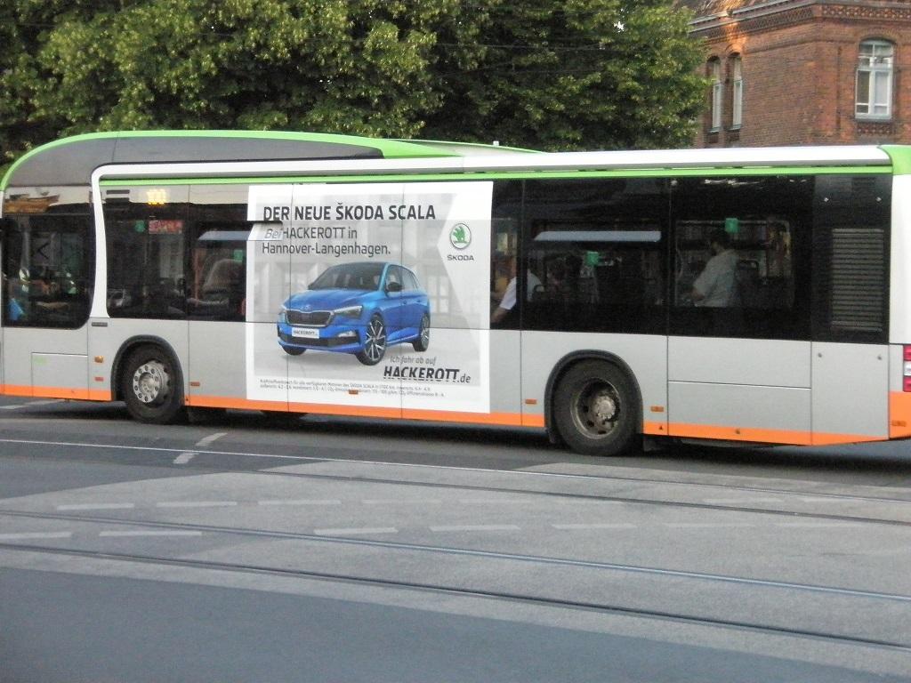 Autowerbung auf Bus Skoda Glocksee Jul19.jpg