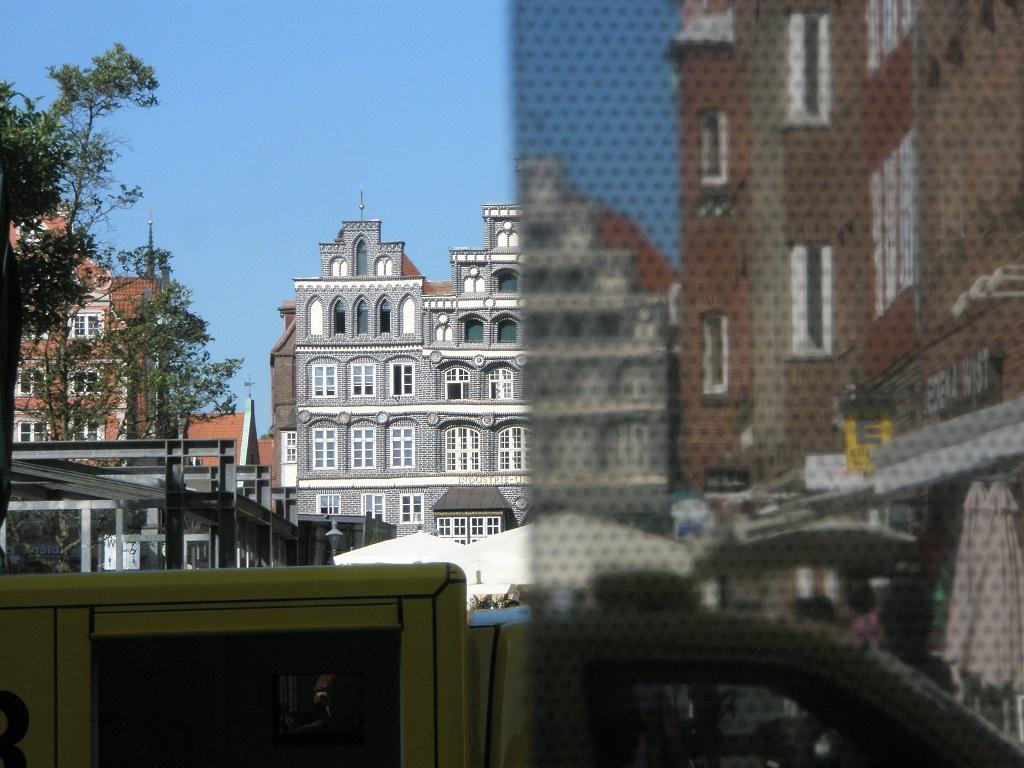 Lüneburg Innenstadt 2015 Rasterfolie trübt Aussicht.jpg