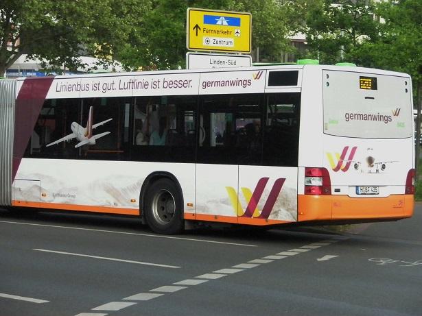 Werbung Linienbus ist gut Luftlinie ist besser.jpg