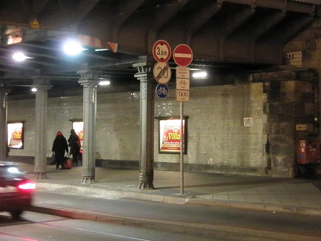 Proj 10 17 Ausschilderung Einfahrt Posttunnel.jpg