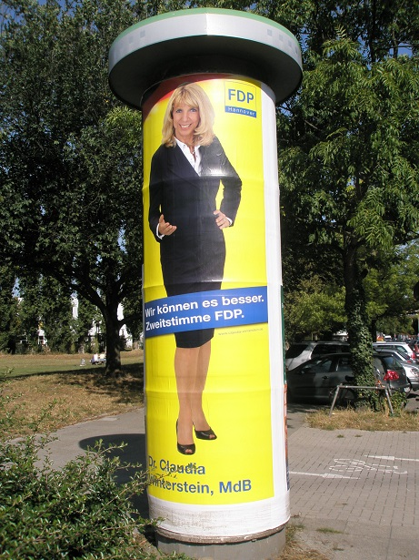 2009 Bundestagswahl Claudia Winterstein FDP auf Litfaßsäule.jpg