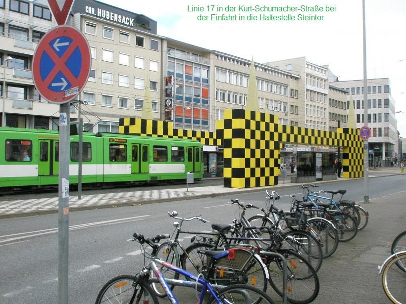 Linie 17 an Haltestelle Steintor.jpg