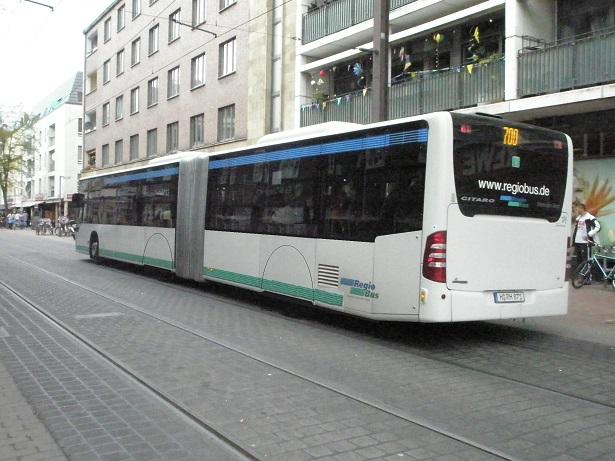 Radverkleidung an Regiobus.jpg