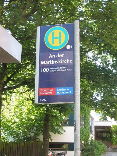 20140605 Warnblinkhaltestelle An der Martinskirche gegen Fahrtrichtung.jpg