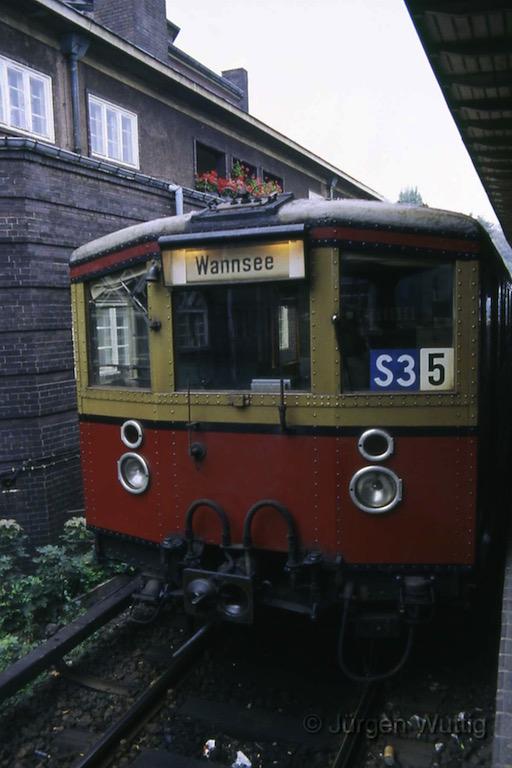 W_1985_26.jpg
