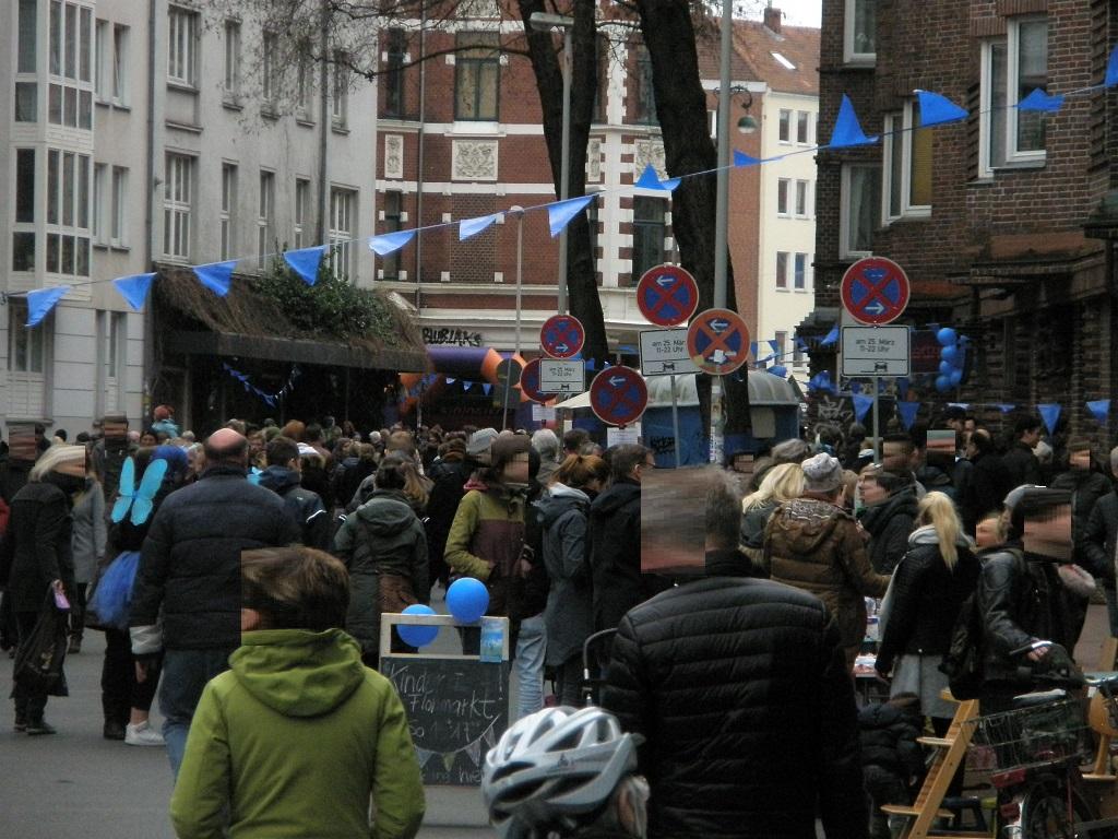 Solaris E-Bus fährt in Falkenstraße wg Blaues Wunder Fest B.jpg