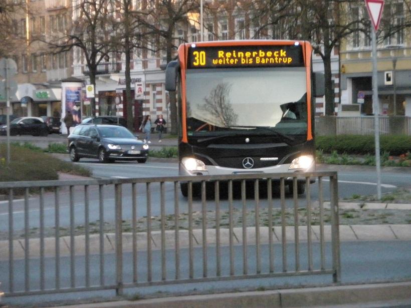 Fahrtzielanzeige Gelb Beispiel aus Hameln.jpg