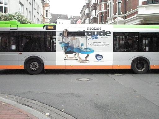Werbung auf Busfenstern Linie 100-200 Erlebnislinie.jpg