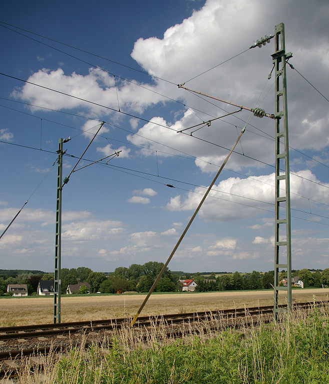658px-Oberleitung_IMG10043.jpg