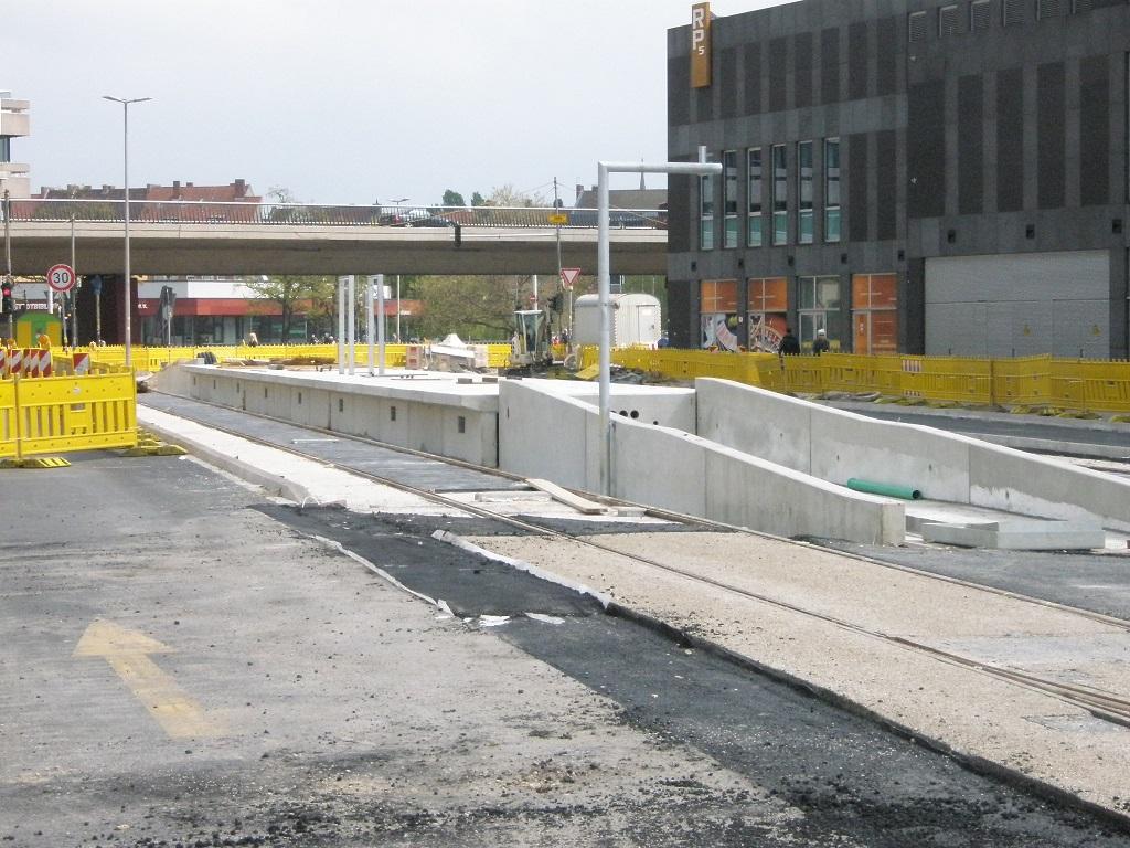 Proj 10 17 Endhaltestelle Hauptbahnhof-Raschplatz im Bau.jpg