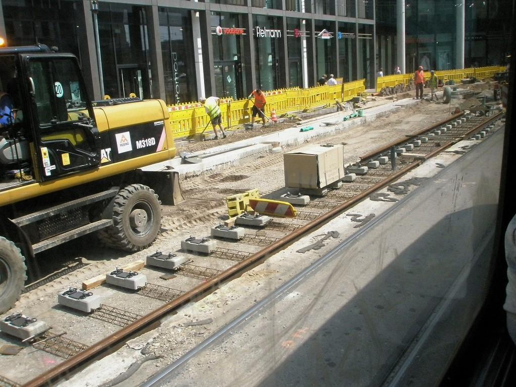 Proj 10 17 060816 neue Gleise vor EAG.jpg